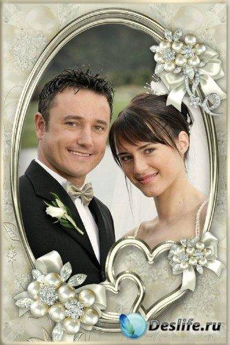 Свадебная рамка с сердечками и жемчугом