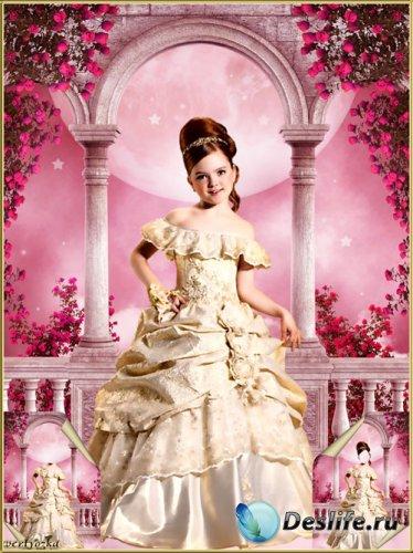 Многослойный детский psd костюм - Маленькая принцесса на терассе среди роз  ...