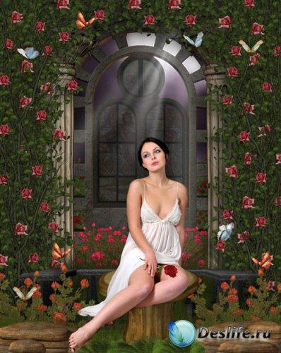 Женский костюм - Девушка с цветком у арки
