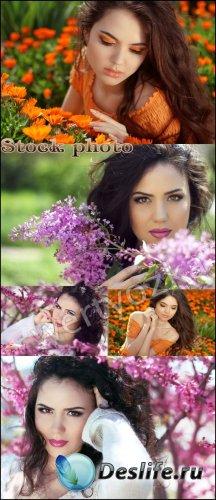 Красивые девушки и цветы / Beautiful girl and flowers - raster clipart