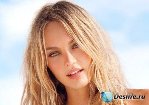 Костюм для девушек - Стройная блондинка в купальнике на море