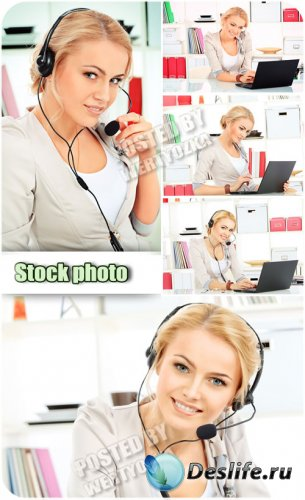 Девушка с ноутбуком, оператор / Girl with the laptop, the operator - Raster clipart