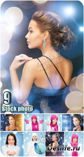 Прекрасные девушки и белые хлопья снега / Beautiful girls - stock photos