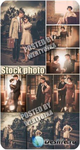 Влюбленная пара на перроне у вагона / Loving couple on the platform - retro ...