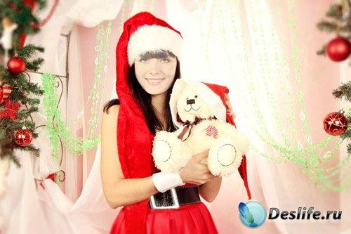 Костюм женский - Девушка в костюме снегурочки с мишкой у елки