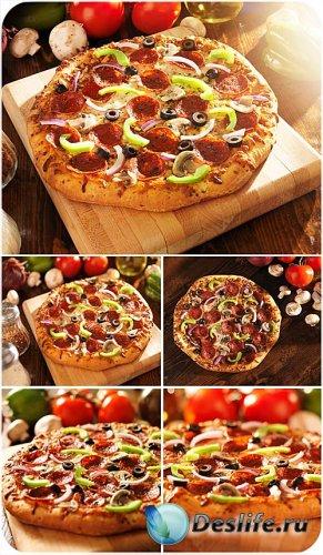 Пицца, вкусная еда - сток фото
