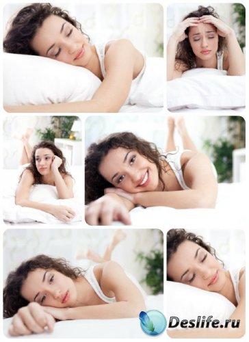Красивая девушка в кровати - сток фото / Beautiful girl in bed - Stock Phot ...