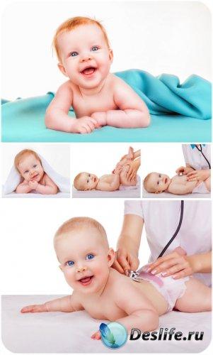 Маленький ребенок, детский врач / Baby, child's doctor - Stock photo