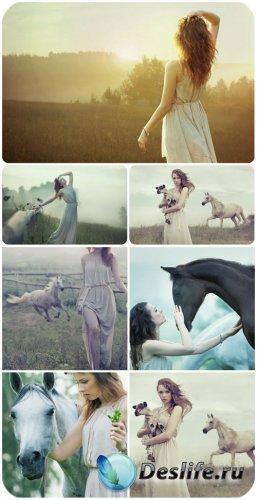 Девушки, природа, лошади / Girl, nature, horse - Stock Photo