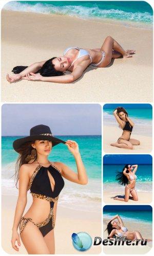 Обворожительные девушки на берегу моря / Charming girls on the beach - Stoc ...