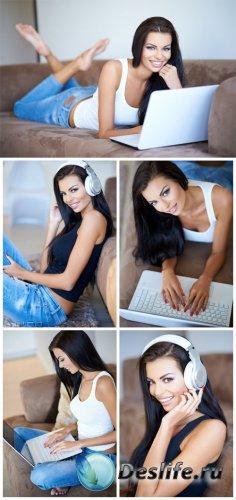 Девушка с ноутбуком / Girl with laptop - Stock Photo