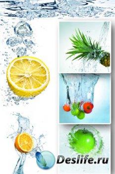 Фрукты и ягоды в воде (подборка)